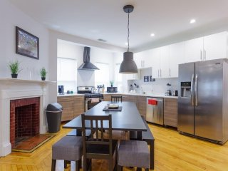 HUGE 5BR/3B apartment close to Fenway!