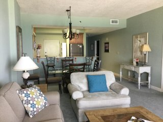 Beachfront - Large Balcony - 2 Bed/2Bath - Covered, Reserved Parking