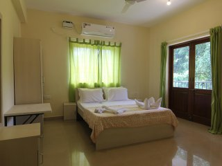 VIVA DE GOA LUXURY POOL FACING 1 BHK APARTMENT IN ARPORA, NEAR BAGA!