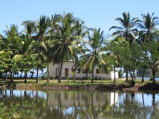 Villa Luna, Villa pieds dans l'eau. CALME !!! QUIET PLACE !!!