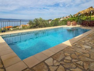 Villa with swimming pool with amazing seawiew near Omis