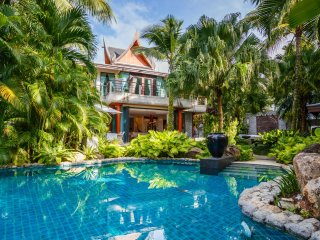 Villa Utopia 2 - 5 bedroom sleeps 10 in Phuket