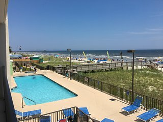 Oceanfront Condo 3Bdrm Corner Unit with Oceanfront Pool