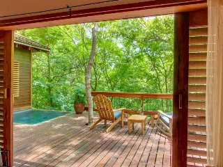 Gorgeous treehouse suite with private plunge pool, spacious deck & balcony