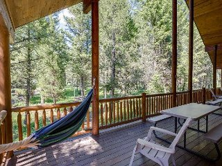 Mountain Luxury Log Cabin! Peaceful Retreat- Sleeps 16- Free WiFi...