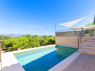 096 Majorcan country house in the island's heart