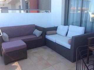 Precioso Atico en Denia, en Urbanizacion Privada con piscina, terraza solarium.