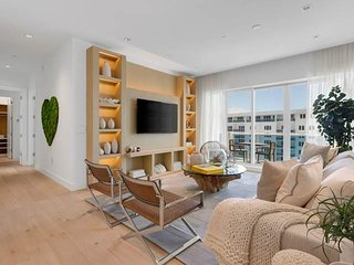Luxurious Condo Hotel 3/3.5 Ocean View Unit 1606