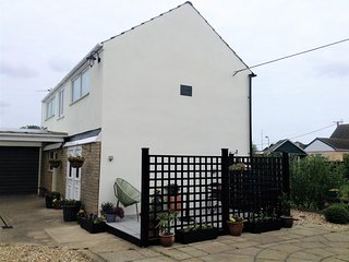 Norton lodge Sutton on Sea Mablethorpe - close to beach & shops - sorry no pets