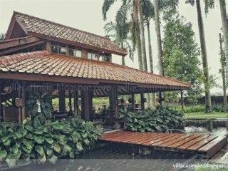 D'Palm Villa Caringin - by Anton'sHome