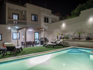 Villa Sunview in Rabat with pool and roof garden