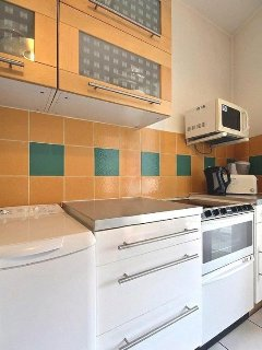 Kitchen:is equipped with : breakfast table for 2 people, fridge, freezer, dishwasher, ceramic hob.