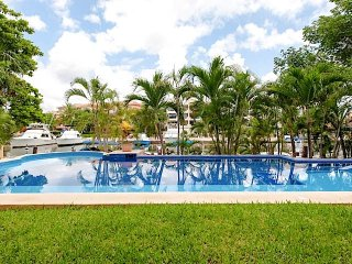 Los Suenos B&B Puerto Aventuras 5mn from the beach - Marina view