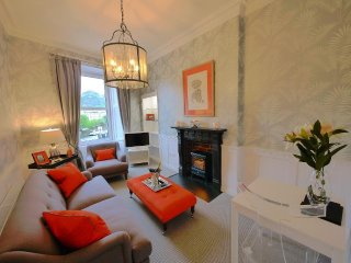 Salisbury View Apartment - free parking and wifi