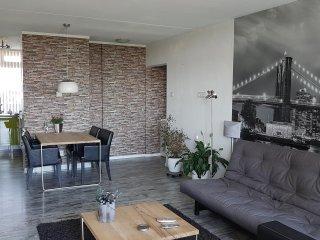 Prachtig appartement in prachtige omgeving/ Beautiful appartment ins quiet area