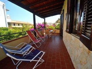 AL061 - Appartamento 6 posti clima + parking + bbq 200 mt spiaggia