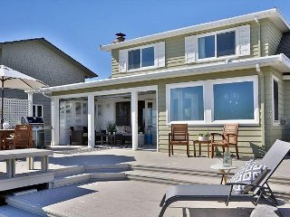 Beautiful Waterfront Beach House at Sunlight Beach, WA. 3 bed, 1.5 bath.(259)