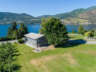 Spacious home w/ lake & orchard views and gorgeous sunsets off the front deck!