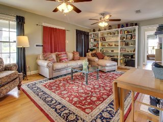 Dog-friendly home across the street from Bastrop State Park