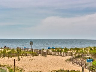 Partial oceanview condo w/ balcony, steps from the Atlantic Ocean