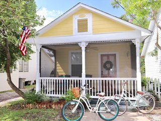 Bay Breeze- an adorable vacation rental in Bay St Louis