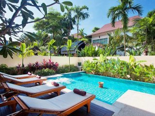 Luxury 4 Bedroom Villa with Private Pool and Jacuzzi