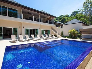Si Fah Villa | 7 Bed Splendid Tropical Rental in Phuket