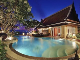 Villa Haven 6 Bed Luxurious Beachfront Residence at Na Jomtien Pattaya