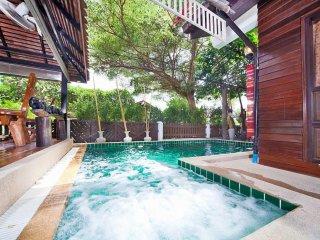 Baan Ruean Thai  6 Bed Thai Style Villa with Pool in Jomtien Pattaya