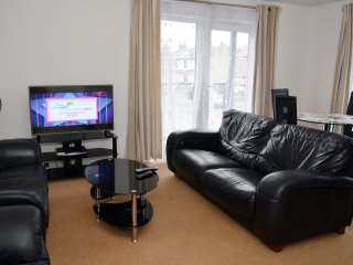 GORGEOUS 2 BEDROOM FLAT WITH WI FI,SLEEPS 6