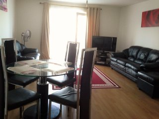 SPACIOUS 2 BEDROOM FLAT WITH WI FI,SLEEPS 6