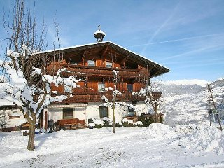 3 bedroom Apartment in Aschau im Zillertal, Zillertal, Austria : ref 2295438