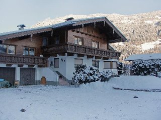 3 bedroom Apartment in Aschau im Zillertal, Zillertal, Austria : ref 2295429
