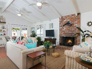 3BR w/ Fireplace, 2 Patios, Access to Beach