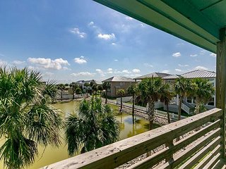 Newly Built 4BR Paradise Pointe - Overlooking Pond, Near Beach & Downtown