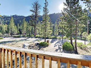 3BR Chalet w/ Private Hot Tub - Close to Skiing, Beaches, Hiking