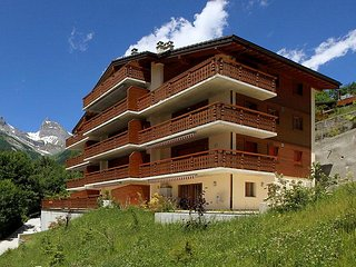 2 bedroom Apartment in Ovronnaz, Valais, Switzerland : ref 2252789