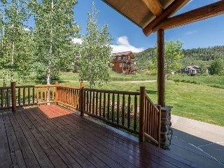 Spacious 3BR w/ Deck in Quiet Neighborhood - Hot Tub, Close to Ski Area