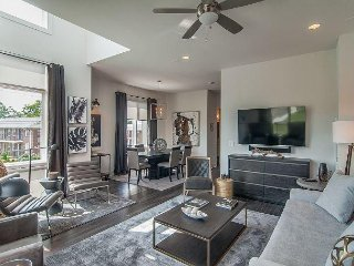 Brand-New 3BR w/ Rooftop Patio & High-End Furnishings - Walk to Downtown