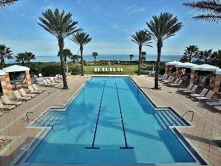 SPECIAL DEALS!  Blue Breeze In Cinnamon Beach! 5 Suites & Private Pool !!!