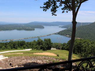 VIEW WOW! CHATTANOOGA, TN 25 MILES   Paradise Pointe  (Pop & Granny's Place)