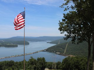 BREATHTAKING VIEW! CHATTANOOGA, TN 25 MILES   Paradise Pointe (River's Ledge)