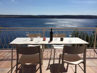 Apartment 35m from sea, stunning sea view, perfect place to relax