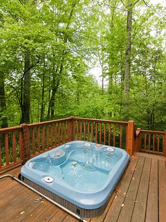 Take a soak in the hot tub and let your worries float away on the mountain breeze.