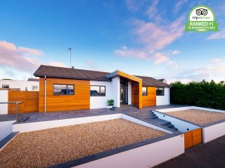 Contemporary beach house - Perfectly placed in Widemouth Bay!