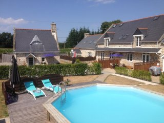 Holiday Home in rural setting with heated pool, Wifi, Flexible Changover Days