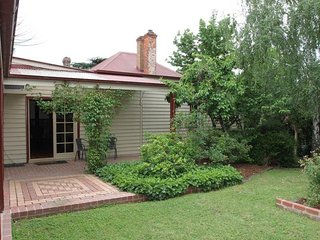 Summerlands Bed and Breakfast. in the heart of Alexandra