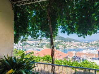 Apartment Cleopatra - Three Bedroom Apartment with Terrace and Sea View