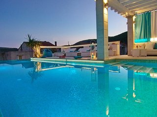 Luxury Villa Maslina ***** with infinity swimming pool