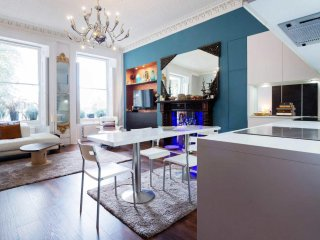 Stunning large flat overlooking Clapham Common